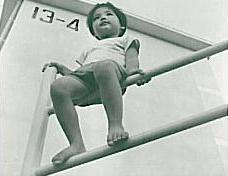 4~5歳の頃から体を動かすのが大好きなおてんば少女。