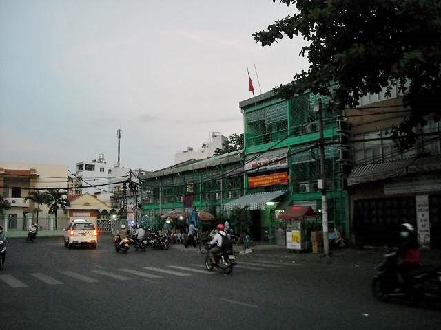 サイゴン駅前