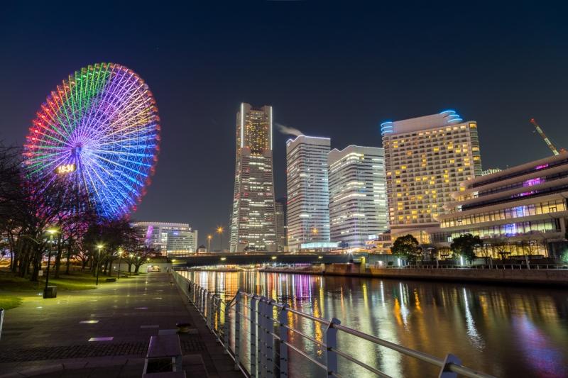 コスモクロック21と横浜ランドマークタワーとの共演
