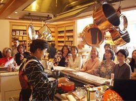 海外での日本食評価は非常に高い。日本の食文化を広めたい一心で海外講座も積極的に行っている。