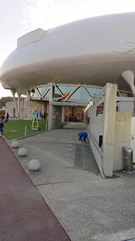 石ノ森漫画館の入り口。様々なキャラクターが出迎えてくれます。