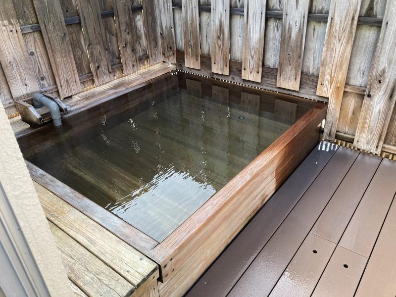 大浴場の露天風呂。全裸で入りました。