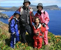 3年前のニュージーランド亜南極旅行にて。3年に一度のペースでさまざまな世界を家族で旅する。
