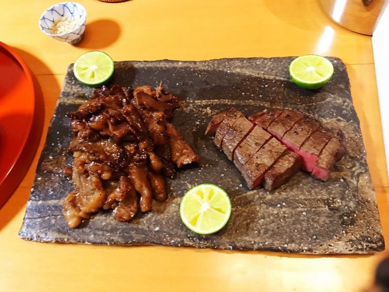 特別編。奮発して伊豆の国市「ひらい精肉店」で買った伊豆牛のステーキとカルビ漬け。魚を食べ続けてきた日本人にとって、米と牛肉の相性は反則ものですね…。