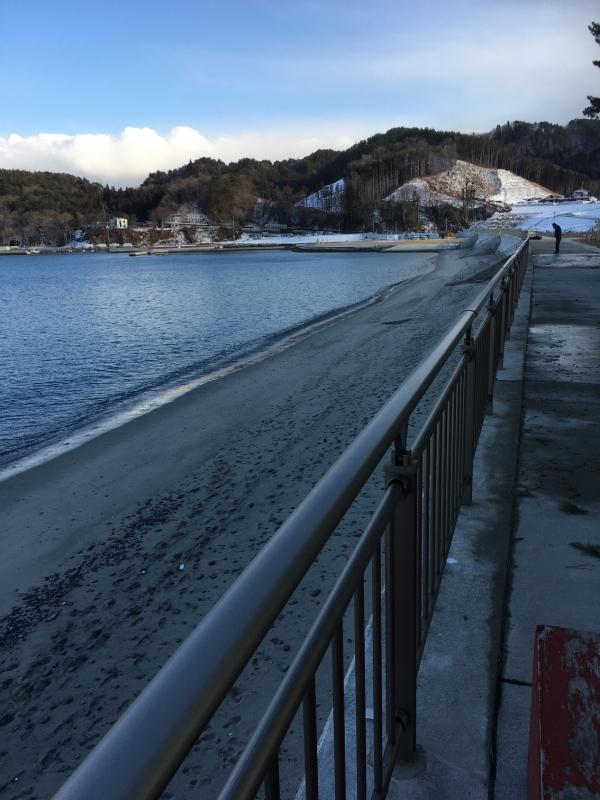 わずかに残った砂浜