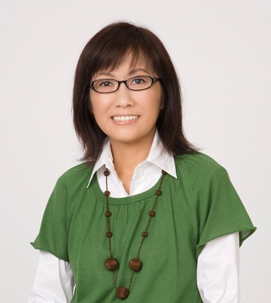 素顔の香山先生は年齢不詳、華奢でかわいらしい。