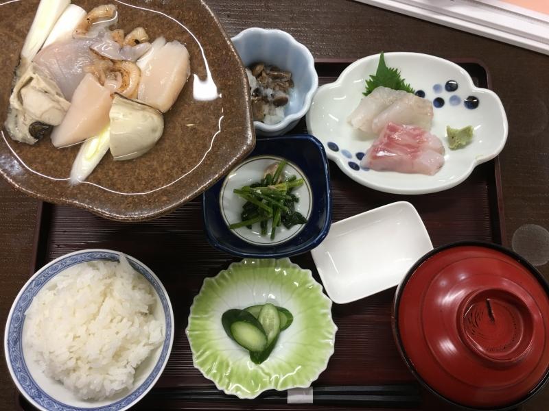 海鮮陶板焼定食はあっさりしているけど、お出汁の味もしっかりして美味しい