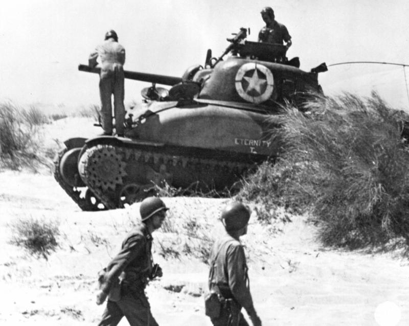 米国製のM4シャーマン中戦車
