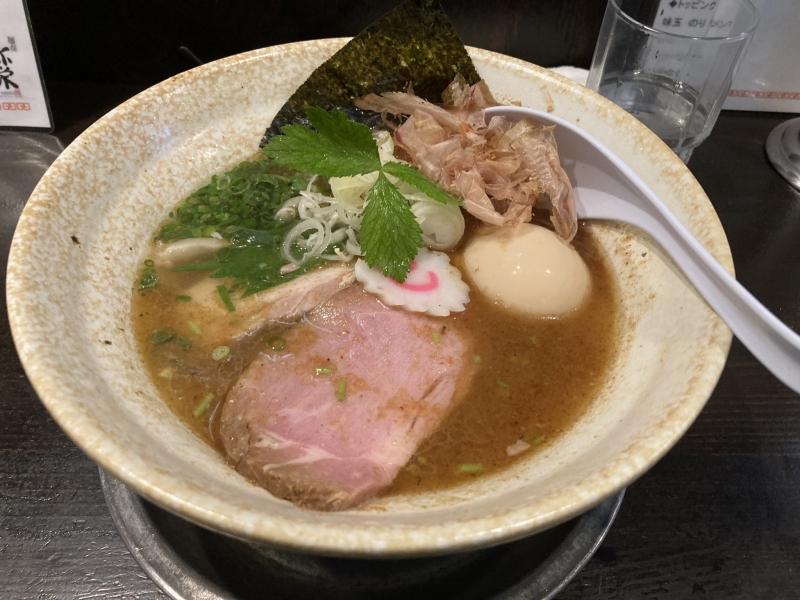 こちらは「テビヤマ」。江戸時代から伝わる幻の鰹節製法「手火山(てびやま)式」で作られた本枯節を使ったスープです。