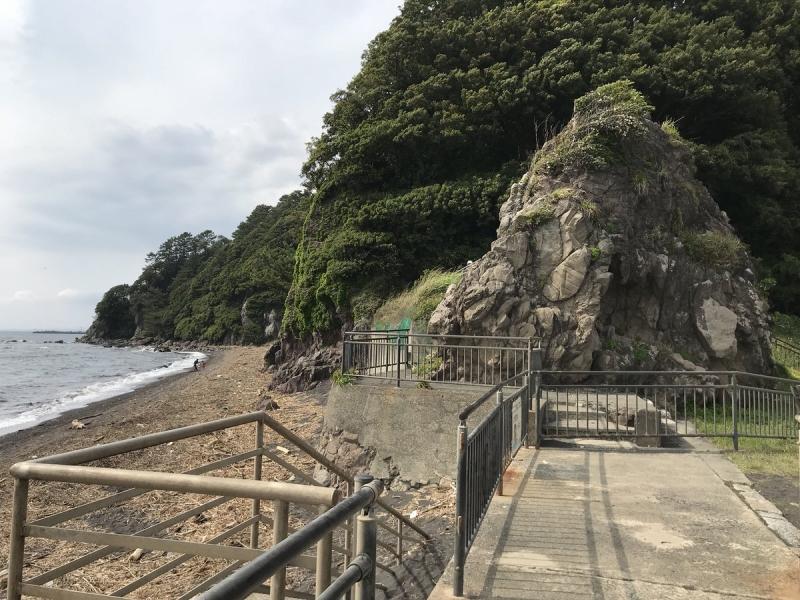 これらの奇岩は、海底火山だった名残なわけですね。