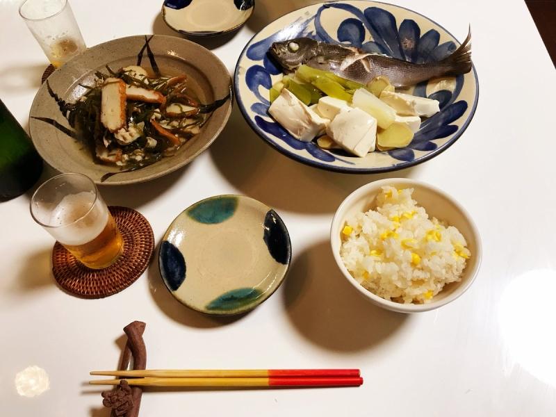 トウモロコシは粒を取ったあとの芯を一緒に炊くと風味が増すですよ。