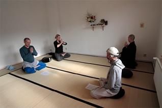 現在、ドイツで禅道場を開く。国境を越えて禅の教えを説く。