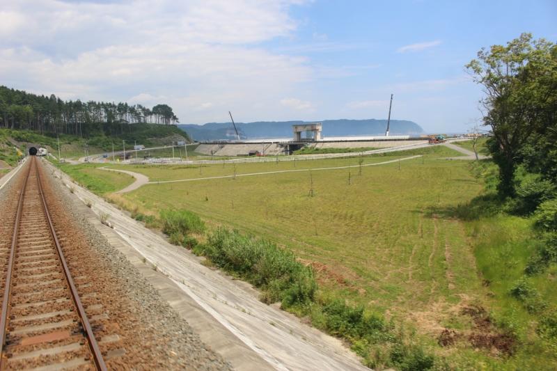 十府ヶ浦海岸駅過ぎてすぐの景色