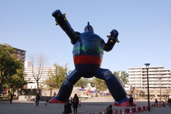 リニューアルした神戸・新長田の鉄人28号