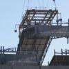1号機の屋根パネル撤去作業が始まる